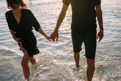 出轨老公浮躁的心态怎么安抚,教你挽回婚姻的办法