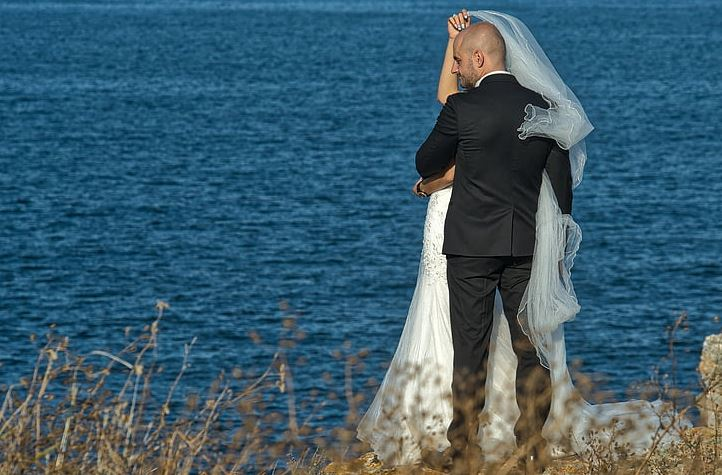 老公发现了真爱出轨了小三,小三也算是爱吗