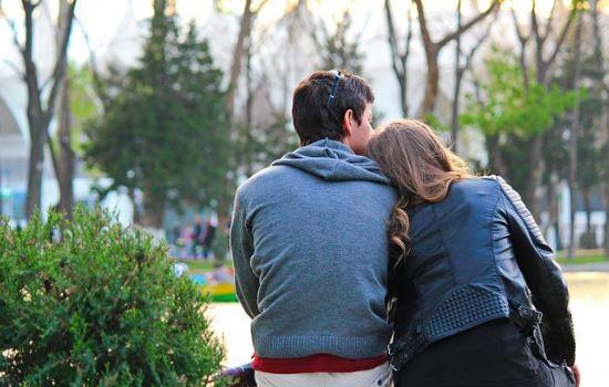 老公出轨被发现,离婚后房子怎么分配?应该原谅吗