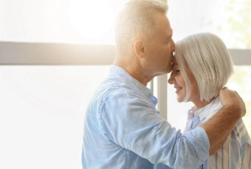 老公出轨摊牌后家暴,现在还要离婚,这段婚姻值得我去挽留吗